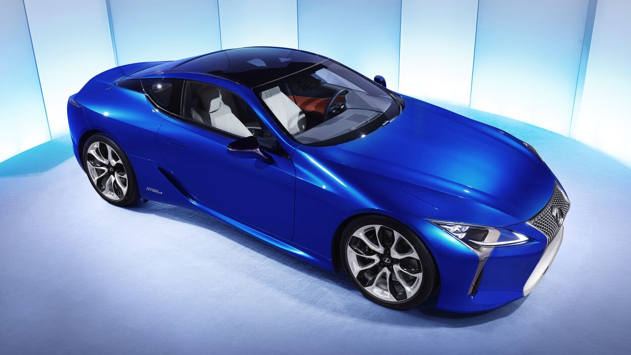 lexus releases new photos and driving footage of lc 500h. Black Bedroom Furniture Sets. Home Design Ideas
