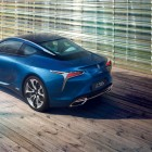 2016-lexus-lc-500h-rear-top