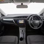 2016-toyota-corolla-hybrid-hatch-interior
