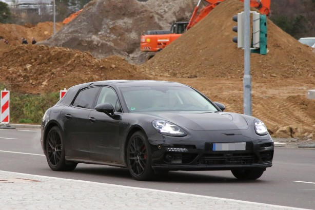2017-porsche-panamera-wagon-spy-photo-1