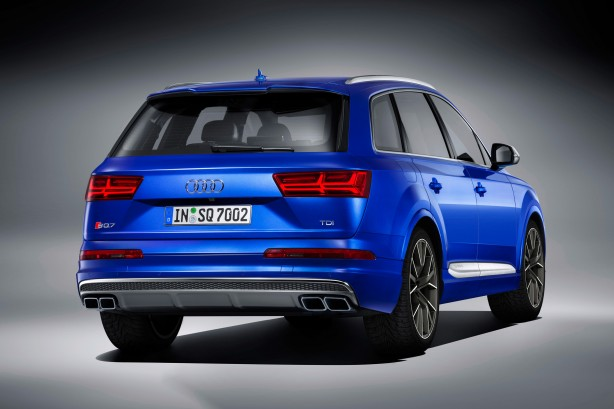 2016 audi sq7 rear quarter