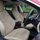 2016-tesla-model-s-p90d-front-seats