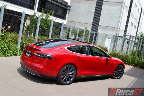 2016-tesla-model-s-p90d-rear-quarter2