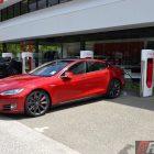 2016-tesla-model-s-p90d-supercharging