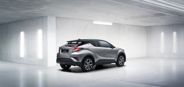 2016-toyota-c-hr-crossover-rear-quarter2