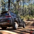 2016-toyota-landcruiser-sahara-offroad-rear