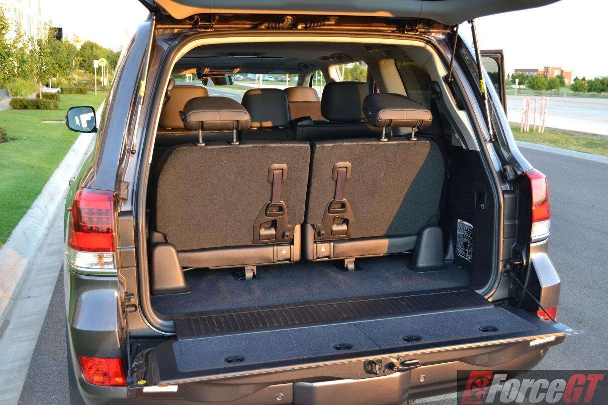 2016 Toyota LandCruiser 200 Series Sahara Review
