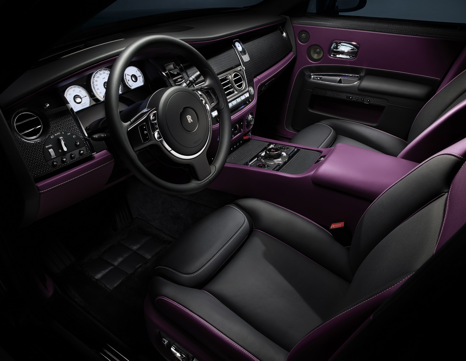 Rolls royce cars news black badge models targeting for Rolls royce ghost interior
