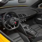 audi-r8-spyder-v10-dash-steering-2