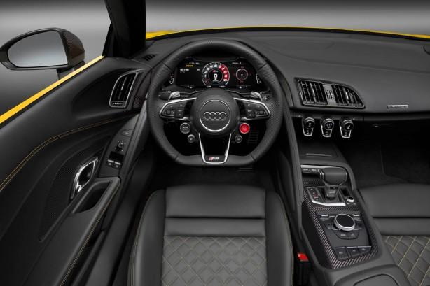 audi-r8-spyder-v10-dash-steering
