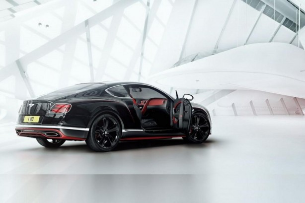bentley-continental-gt-black-speed-rear