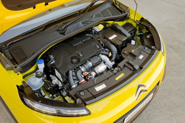 citroen-cars-c4-cactus-2016-australia-engine