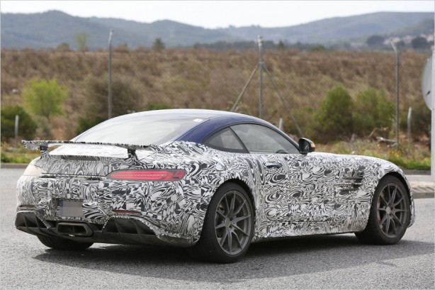 mercedes-amg-gt-r-scoop-rear-quarter2