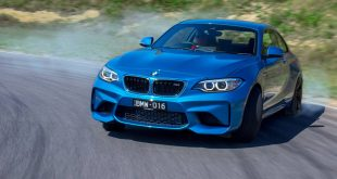 2016-bmw-m2-coupe-front-quarter-drifting2