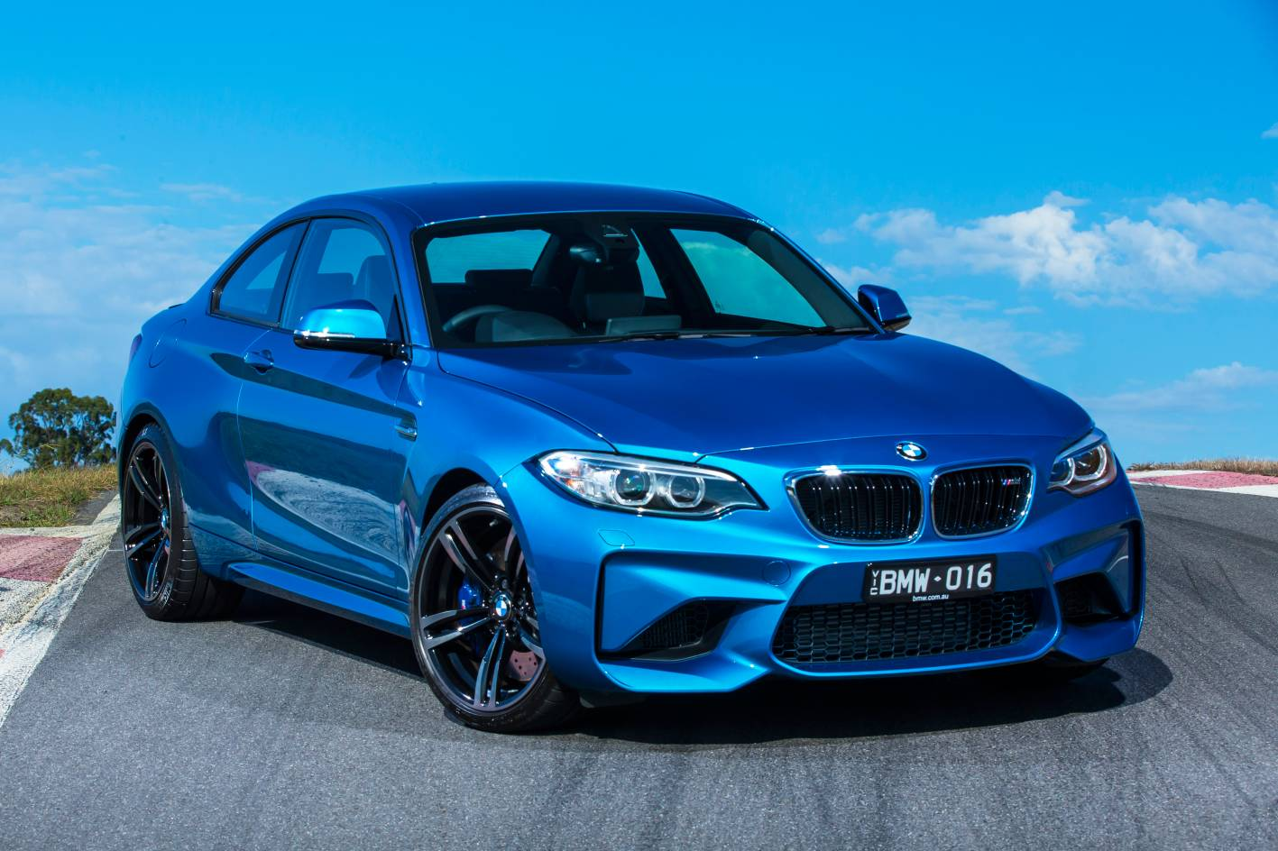 bmw m2 arrives down under priced from sub 90k. Black Bedroom Furniture Sets. Home Design Ideas