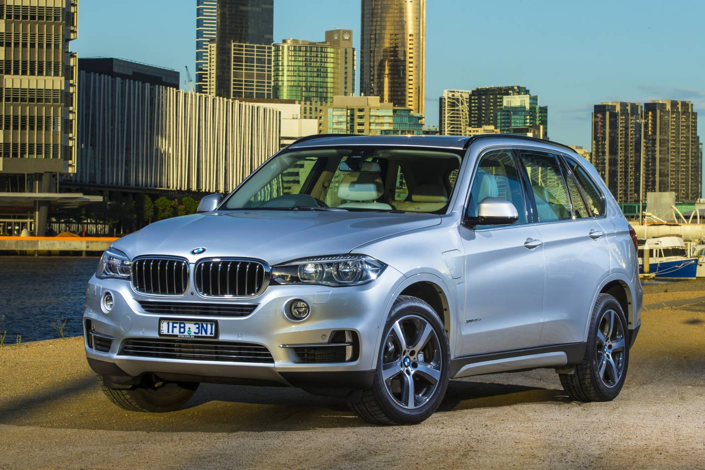 bmw cars news x5 xdrive40e plug in hybrid launched from 120k. Black Bedroom Furniture Sets. Home Design Ideas