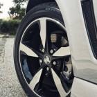 2016 holden commodore black 18-inch wheel