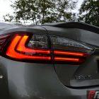 2016-lexus-es-taillight
