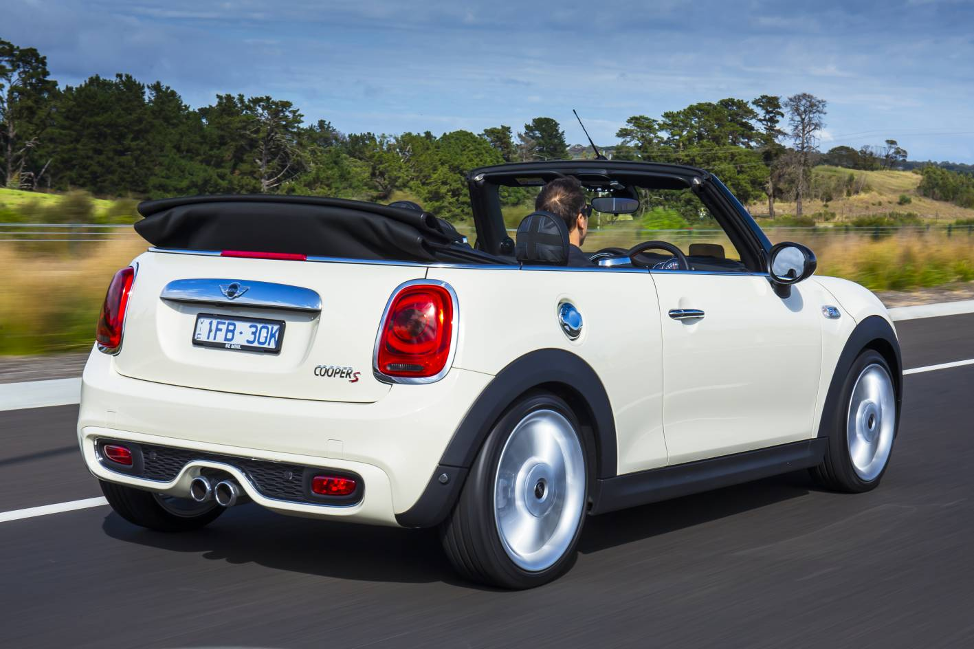 mini cars 2016 mini convertible drops its top in australia. Black Bedroom Furniture Sets. Home Design Ideas