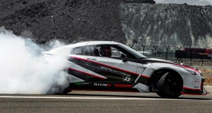 2016-nissan-gt-r-nismo-guinness-world-records-fastest-drift-1