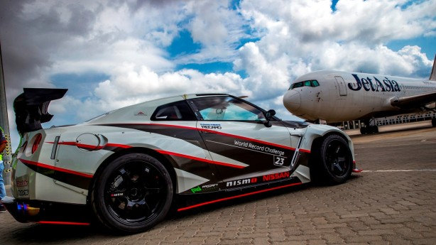 2016-nissan-gt-r-nismo-guinness-world-records-fastest-drift-3