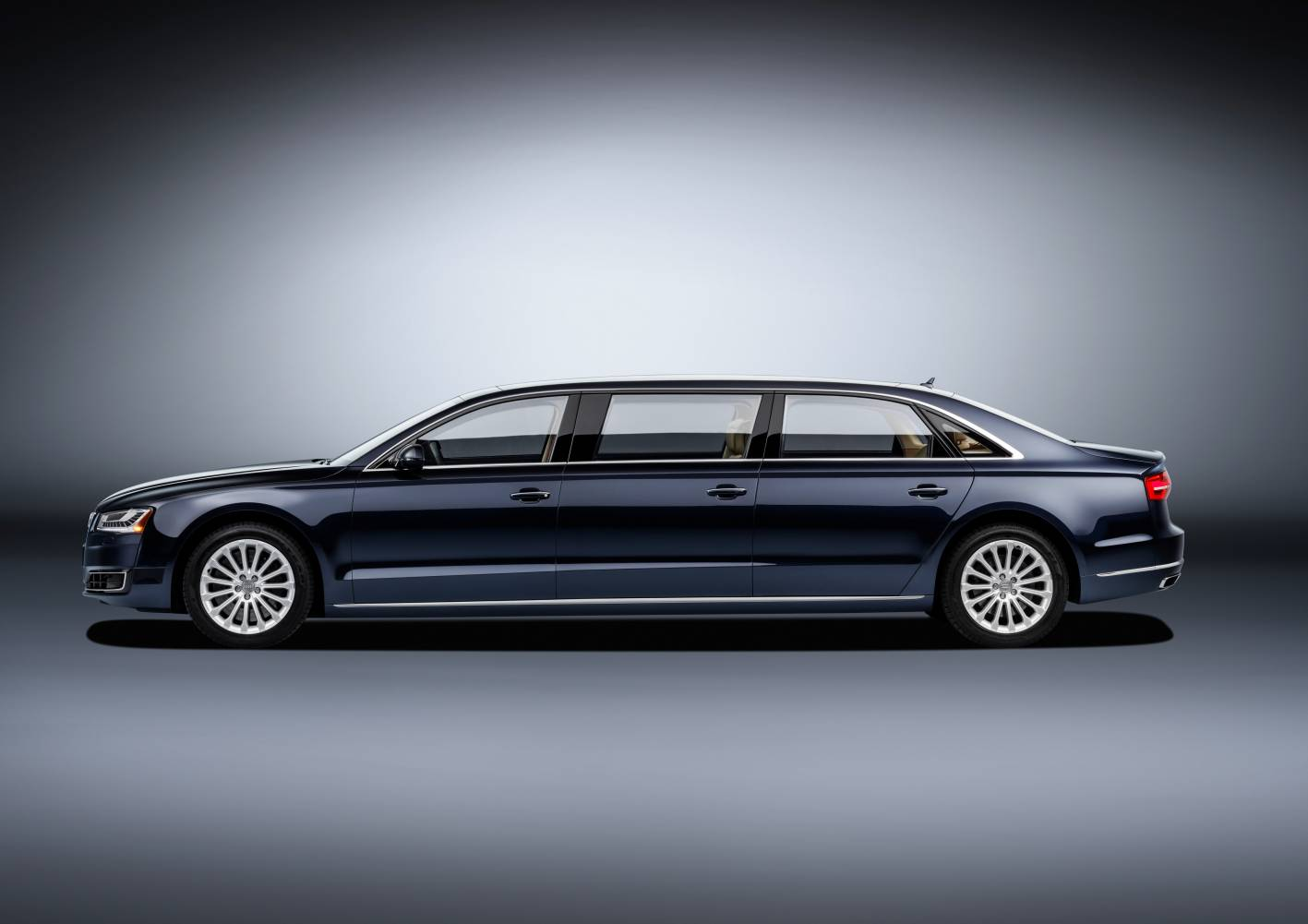 audi cars news one off audi a8 l extended six door limo. Black Bedroom Furniture Sets. Home Design Ideas