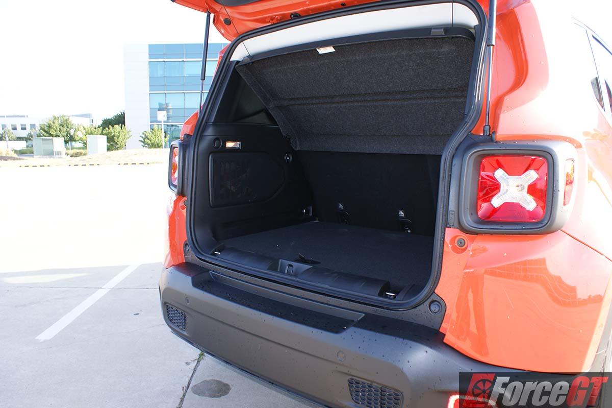 jeep renegade review 2016 renegade longitude. Black Bedroom Furniture Sets. Home Design Ideas