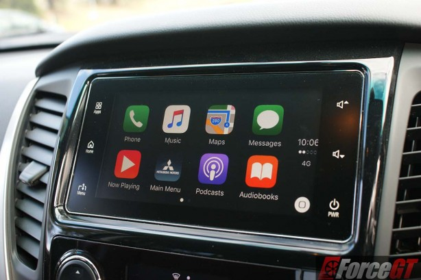 mitsubishi-pajero-sport-review-2016-glx-automatic-carplay-colour-smartphone-link-display.jpg