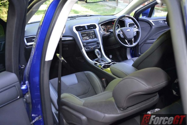 2016 ford mondeo trend wagon interior