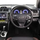 2016-toyota-camry-facelift-interior
