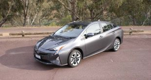 2016-toyota-prius-review-itech-australia-forcegt-hybrid-car-14