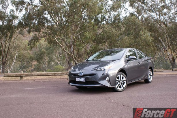 2016-toyota-prius-review-itech-australia-forcegt-hybrid-car-7