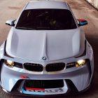 BMW-2002-Hommage-bonnet