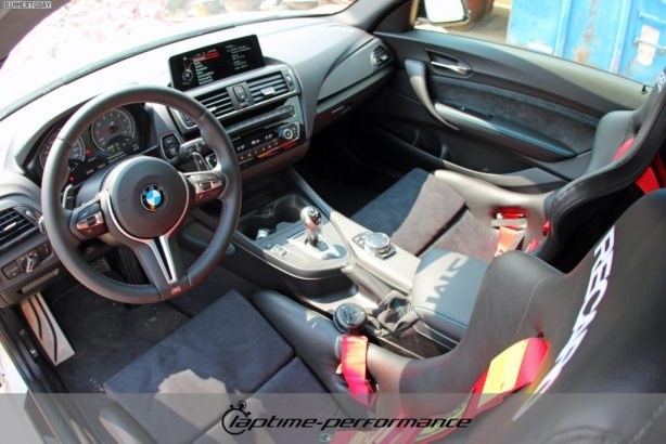 laptime-performance-bmw-m2-interior