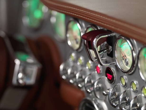 spyker c8 preliator interior-1