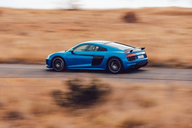 2016 audi r8 v10 plus rear quarter