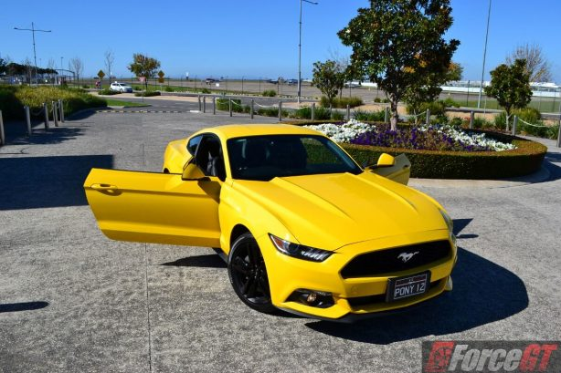 2016-ford-mustang-ecoboost-fastback-top