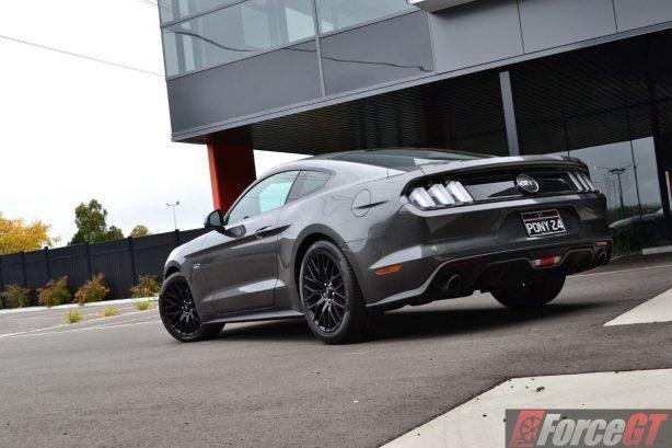 2016-ford-mustang-gt-fastback-rear-quarter