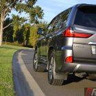 2016-lexus-lx570-rear