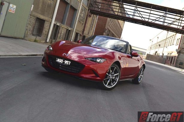 2016 mazda mx-5 roadster front quarter