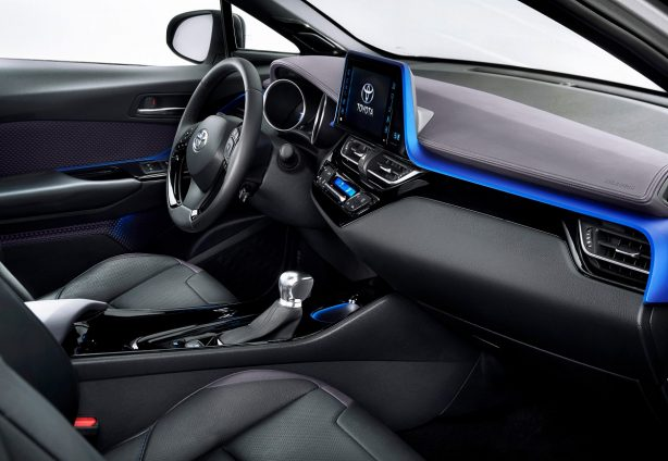 2016-toyota-c-hr-interior