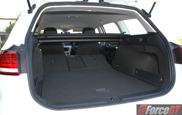 2016-volkswagen-passat-b8-132tsi-wagon-cargo-45