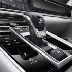 2017 porsche panamera touch sensitive console