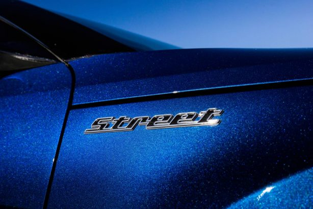 hyundai veloster street turbo badge