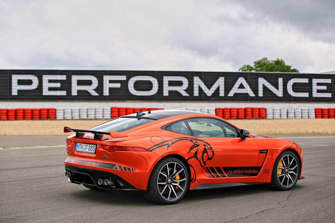 you can now ride a jaguar f type svr at the n rburgring. Black Bedroom Furniture Sets. Home Design Ideas