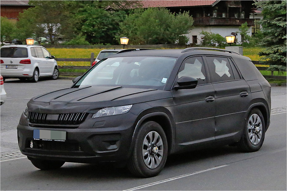 skoda 39 s new kodiaq suv spied for the first time. Black Bedroom Furniture Sets. Home Design Ideas