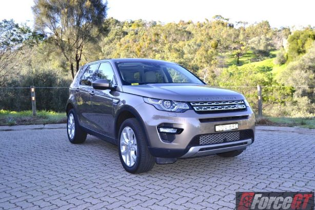 2016 Land Rover Discovery Sport front quarter-1