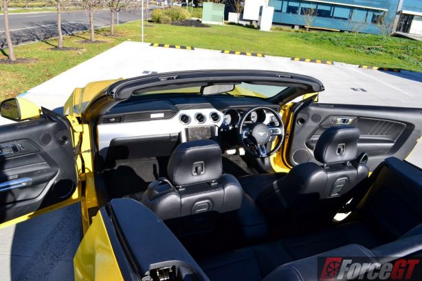 2016-ford-mustang-gt-convertible-interior