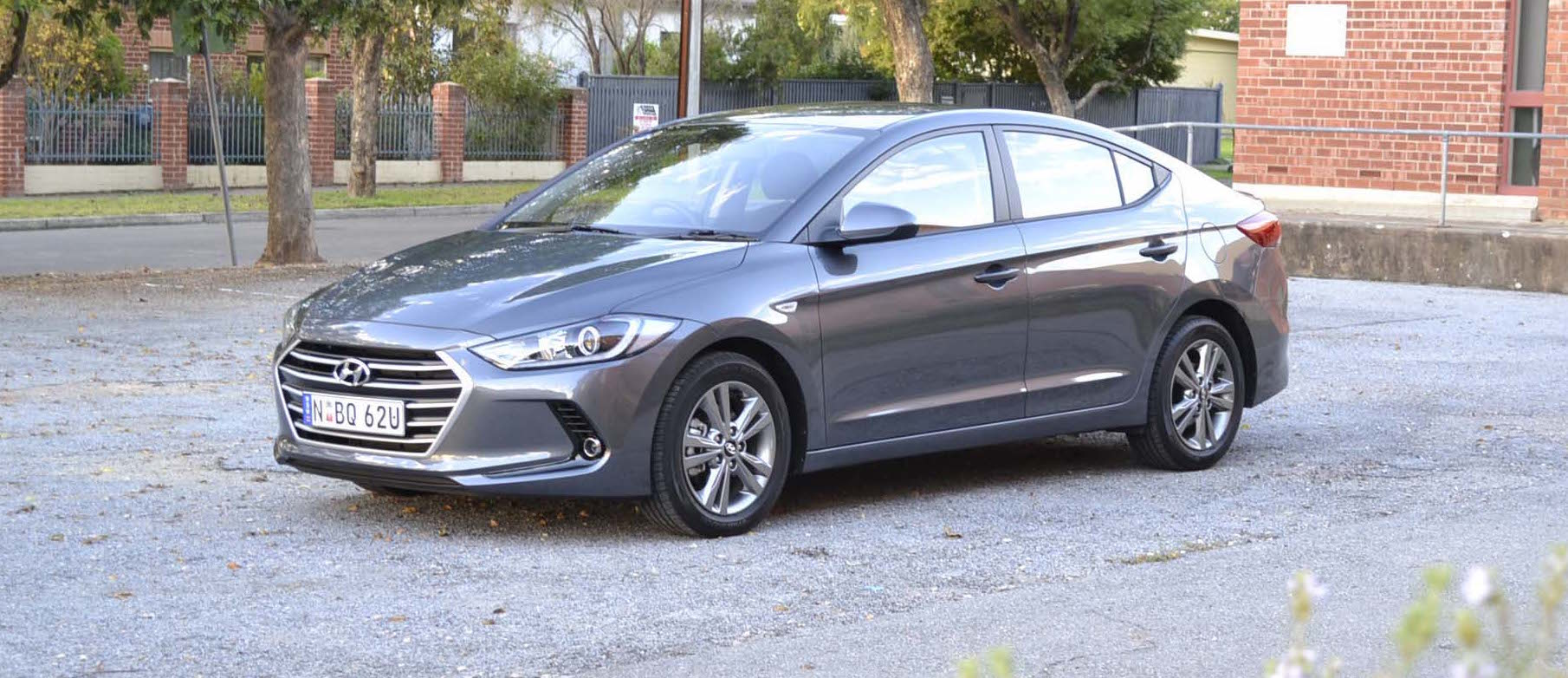 2016 hyundai elantra review. Black Bedroom Furniture Sets. Home Design Ideas