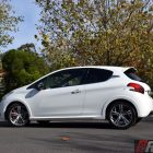 2016-peugeot-208-gti-review-side